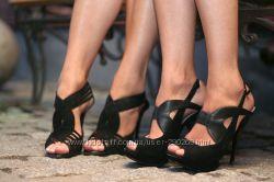 Черные босоножки на каблуке, размер 37, состояние новых