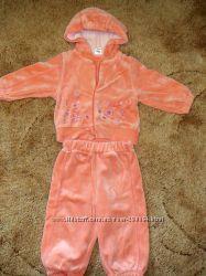 Продам на девочку персиковый комплект
