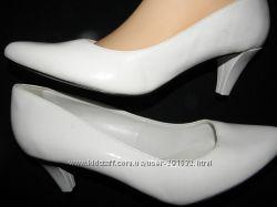 классика всегда в моде- стильные туфли ф. CHEDIVE размер 40