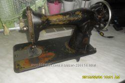 Продам стару швейну машинку