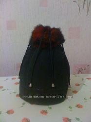 Зимняя женская замшевая шапочка на меху. В наличии