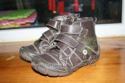 Демисезонные ботинки размер 25