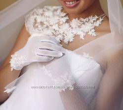 Елегентна весільна сукня