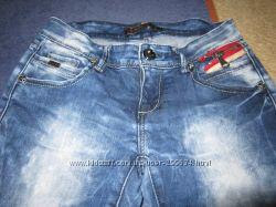 Прямые джинсы. Состояние - отличное