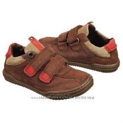 Туфли Kickers  размер 24 US 8 Toddler