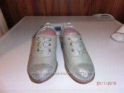 Оригинал новые туфли OshKosh из Америки р. 27