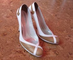Кожаные туфли Fellini бу в отличном состоянии.
