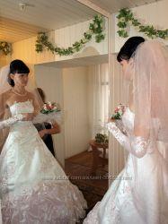 Бело-розовое свадебное платье