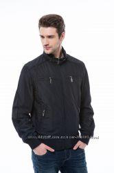 стильная практичная куртка-ветровка на весну и осень.