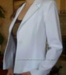Фирменный белый пиджак