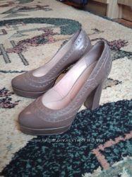 Женские кожаные туфли , 38 размер. Польша