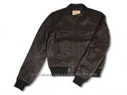 Скидки Натуральная кожаная курточка Levis XSP