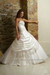 Rafaella от  Alla Saga, предложите свою цену не венчаное