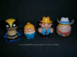 разные мелкие игрушки для мальчика