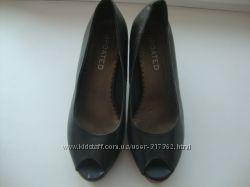 Продам модные туфли UPDATED р. 39