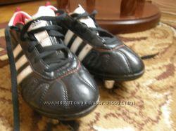 Бутсы футбольные на шипах