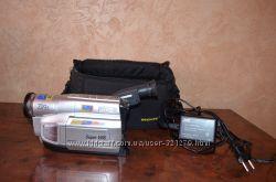 Продам видеокамеру JVC gr-sxm290as