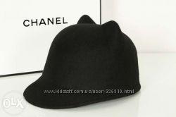 Стильная шляпка-жокейка с ушками