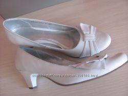 Туфли свадебные, натур. кожа белые 39рр