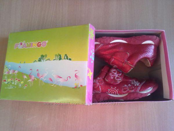 продам кроссовки фирмы Фламинго р. 25