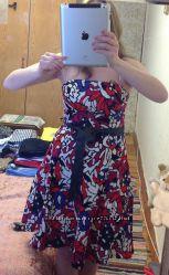Коктельное новое платье  с открытыми плечами