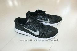 Nike Flex Experience 4 ��������