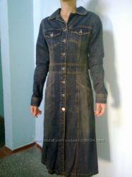 длинный джинсовый пиджак , плащ. 34-36 разм европ. наш 40-42
