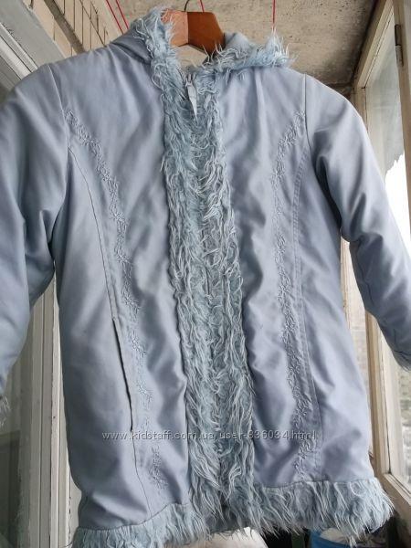 курточка для девочки рост 134 см .