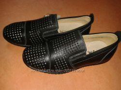 Перфорированные туфли Том