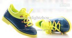 Стильные туфли для девочки