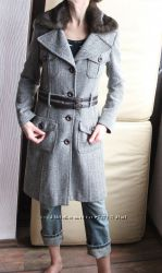 Красивое и стильное пальто фирмы NAFNAF