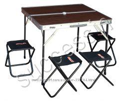 Стол раскладной с четырьмя стульчиками