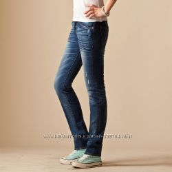 Модные джинсы UNIQLO для миниатюрных барышень