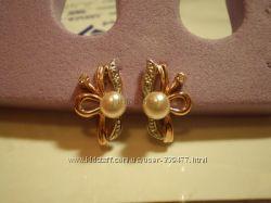 Золотые красивые жемчужные серьги