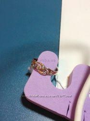 Очень нежное и красивое золотое кольцо