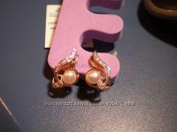Шикарные золотые серьги с жемчугом