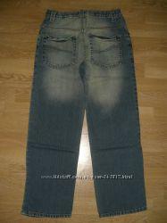 новые джинсы, брюки, шорты мальчику на рост 135-146 см