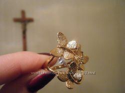 новое красивое кольцо фианиты покрытие золото 18р.