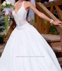 Продам шикарное дизайнерское свадебное платье т. м. Natalia Tausher  Таушер