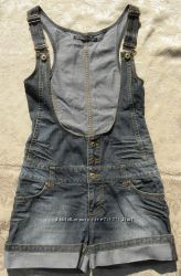 джинсовый комбинезон - шорты в идеальном состоянии