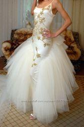 Шелковое свадебное платье вышытое камнями