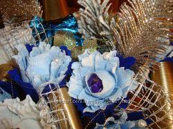 Новогодние композиции, ананасы из конфет