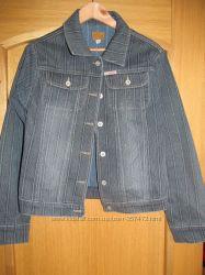 Джинсовая куртка  в идеальном состоянии