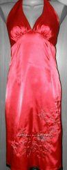 Шикарное красное платье на новый год