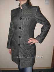 Пальто шерстяное размер М