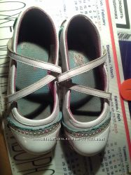 Продам красивые туфельки SKECHERS на девочку  33 р-р