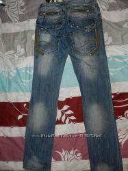 Распродажа мужских джинс. Низкие цены