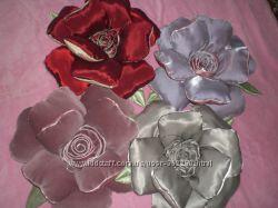 красивая подушка роза.