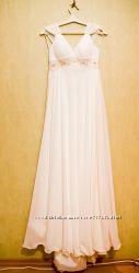свадебное платье в греческом стиле после химчистки. состояние на 5