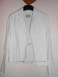 светлый льняной пиджак